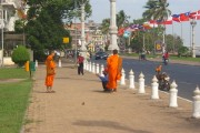 Buddhist monks getting themselves photographed in PP