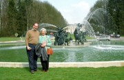 Stef and Mama in Tervuren by the new fountain!